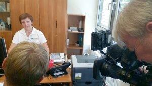Das Aufnahmeteam des MDR filmt Kerstin Albel